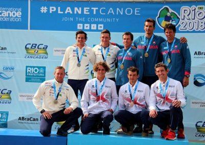 Medalja že na prvi dan – Že prvi dan svetovnega prvenstva v slalomu je Luka Božič skupaj z Anžtom Berčičem in Benjaminom Savškom poskrbel za reprezentančno in klubsko veselje